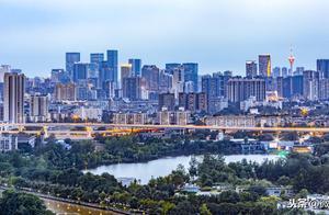 全国城市排名上升为第7!成都人均GDP首次突破10万元