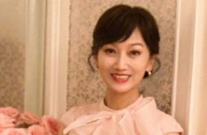 赵雅芝提前庆66岁生日,保养得宜显年轻,与杨盼盼同框像两代人