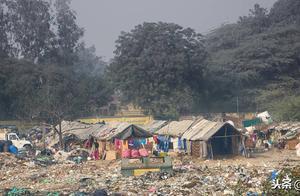 为什么有的人一直存钱,却依旧过着穷人的生活?