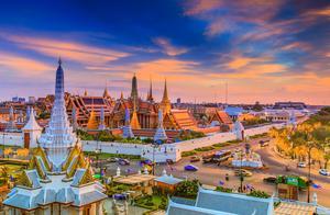 如此乱境之下,泰国竟重启国际旅游业,首批中国游客已抵达