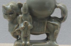 罕见的博物馆藏金代耀州窑胡人献宝瓶,收藏家:这才是国宝级文物