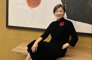 林青霞诠释美人在骨不在皮,年轻时风华绝代,66岁时依然透着美