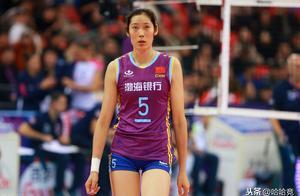 李盈莹当选最佳主攻引争议,朱婷蝉联MVP,江苏3人进最佳阵容