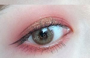 """想Get孟美岐同款""""星辰""""眼妆?这几款液体眼影真的美出天际!"""
