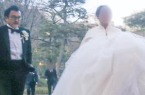 61岁日本男星再当爸!小22岁老婆怀孕5月,小栗旬曾陪他追妻