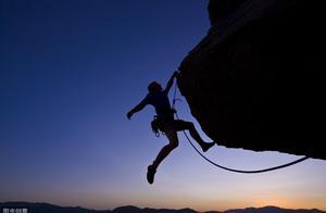 《有言有味说单词》(五十二讲)成功的方向是挑战逆境