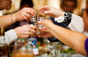 """""""酒品即人品"""",醉酒后的这些行为,暴露了你潜藏的性格"""