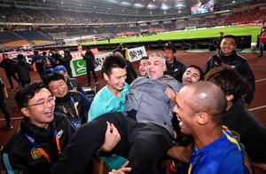 奥拉罗尤:苏宁夺冠对中国足球利好 和恒大依然有差距