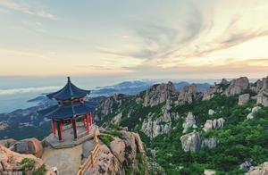 海上第一名山崂山,屹立在黄海之滨,据说汉武帝都到这里求仙拜寿