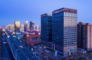 蜜雪冰城获20亿元融资;英特尔任命新CEO,股价涨7%