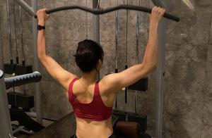 女排世界冠军无缘参赛!坚持训练肌肉线条抢镜,被询问何时回赛场