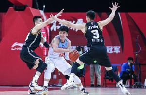 新疆输了现在、赢了未来;赢了新疆、输了防守,辽宁幸亏有梅奥
