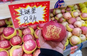 """今年圣诞节,""""洋节""""遭遇空前清冷,年轻人说""""中国节""""更有意思"""