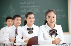夜晚零下3度,江苏一老师带学生看工地加班,网友:好老师