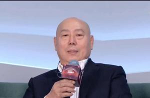 江苏晚会状况百出:蔡徐坤王源耳返都出问题,演员假唱,歌手破音