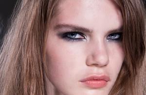 Victoria Beckham雅诗兰黛设计师高定彩妆系列