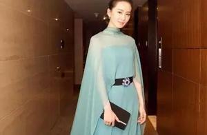 穿着湖蓝色仙女裙的刘诗诗,简直比画中仙还要美!