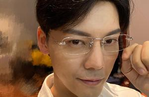 暴风尖叫!陈伟霆演张东升的剧照来了,带上眼镜的他帅到令人窒息