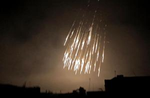 阿塞拜疆动用白磷弹,大批军民哭喊声震天,现场惨烈如同火狱