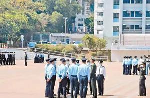 港警学中式队列,视频曝光!驻港三军仪仗队成员亲授