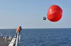 """亚丁湾上,海军第31批护航编队实弹射击训练""""燃""""了!"""