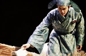 《明侦》古代主题造型:张若昀书生气十足,但我却被戚薇给笑到