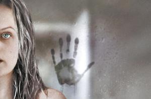 新版《隐形人》为何成功?恐怖片不一定非要疯狂才让人心生恐惧
