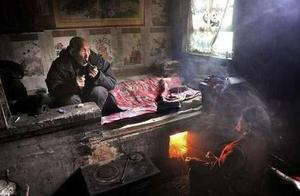 村干部寒冬拆村民暖炉,没收煤炭,是为了保护环境?