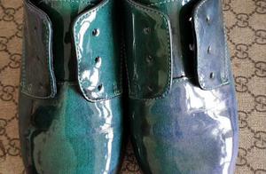 漆皮鞋穿旧了不要丢,通过修复还原成新漆皮鞋,《修皮孩》修鞋