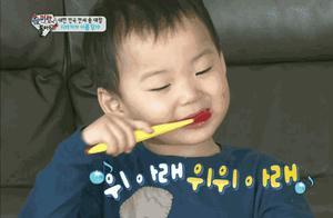 明星孩子的牙刷竟不用手拿!颠覆传统的牙刷,10分钟狂卖700万