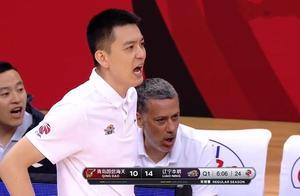 2分钟5犯规顶嘴,杨鸣:你给我坐那,辽宁男篮二换一交易失败