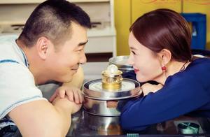 """50岁丑总裁和李一桐""""父女恋"""",有钱人的择偶观,还是穷人幸福"""