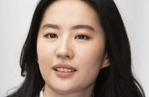 刘亦菲近照罕见曝光,被指胖成中年大妈,女星颜值比演技重要?