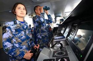 """小姐姐确实厉害!开辽宁舰的是个""""女司机"""",而且还是95后"""