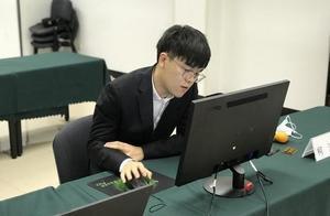 LG杯柯洁第一次进决赛 一波反杀反败为胜韩国对手仰天长叹