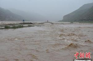 黄河壶口段迎今年以来最大洪峰 景区暂时关闭