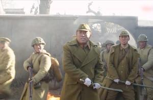 东风破:于营长逼的小鬼子无处藏身,余东风抄起军刀砍了日军军官