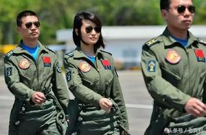 我国女歼击机飞行员风采剪影,英姿飒爽的美 美得令敌人胆寒