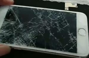 小哥修手机,看见后盖里有100元,看到纸条内容笑喷