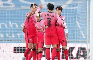 黄喜灿中招?2场友谊赛韩国男足7人确诊,列维大手笔保护真的值