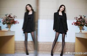 杨幂钻石长袜极致美感,性感造型出席活动,你喜欢她吗?