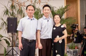 """酒店东西往回拿,杨迪的妈妈,像极了""""大部分人""""的母亲"""