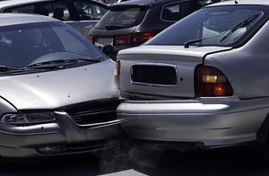 河北保定高阳县发生四车追尾交通事故 7人死亡