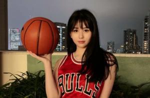 邱淑贞女儿COS灌篮高手,对比王祖贤的篮球造型,她还是露怯了