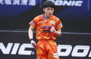 男乒世界杯:张本智和怒吼获铜牌,恶战7局大逆转 韩国悍将崩盘