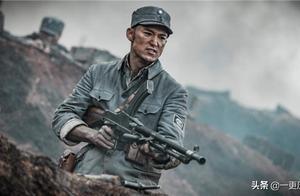 《亮剑3》被下架,裙装配丝袜,人手一挺机枪,有多违背历史