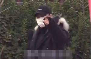 李易峰出行发现有狗仔偷拍,与其躲猫猫还嘲笑狗仔技术不行