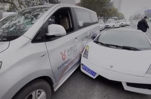 青岛发生天价车祸,面包车撞上700万兰博尼基,车损百万