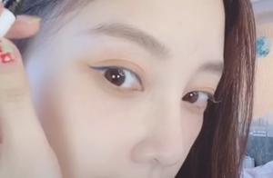 30岁谭松韵自弹自唱《想见你》奶音超治愈!披头散发超嫩像洋娃娃