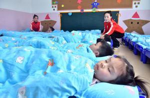 5岁男童幼儿园午睡,突然呕吐窒息死亡,二审判了